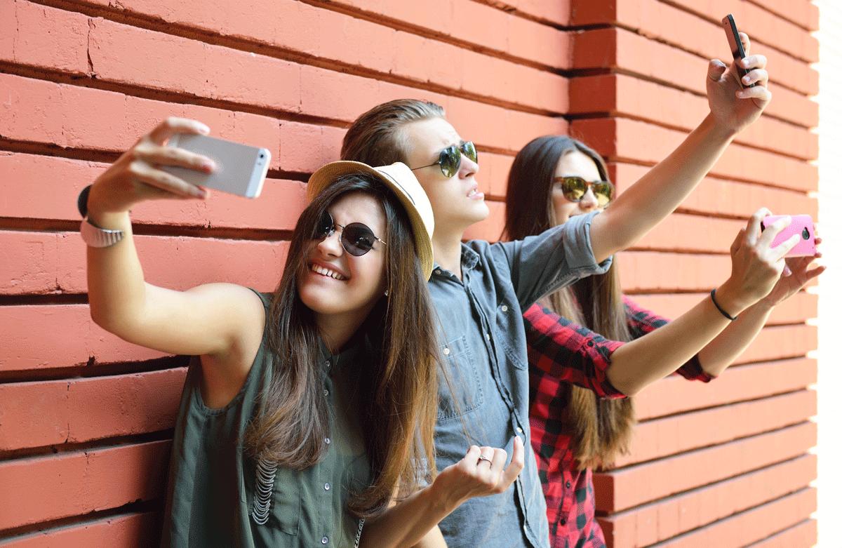 Phone social selfie